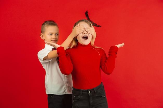 Kinder im überraschenden moment