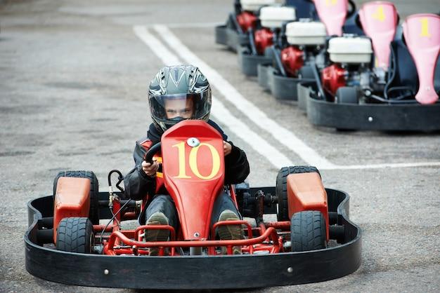 Kinder kart fahren