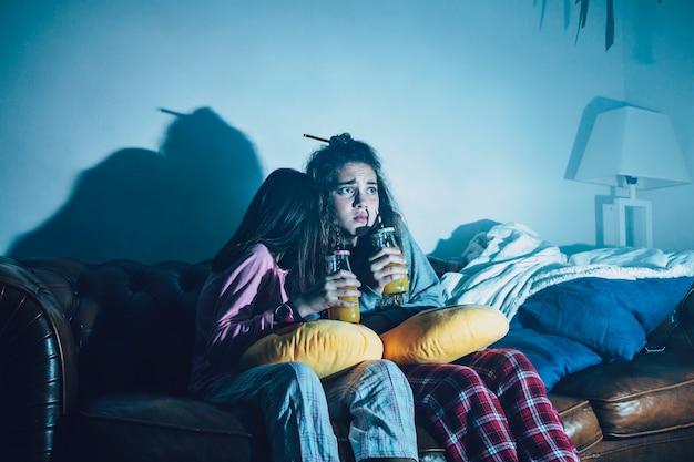 Kinder verängstigt mit film