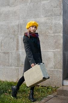 Kinderkoffer reisen, retro- herbstkleidung