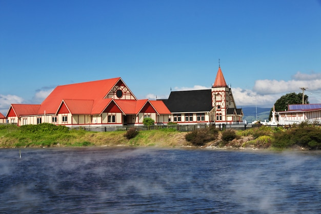 Kirche am see von rotorua, neuseeland