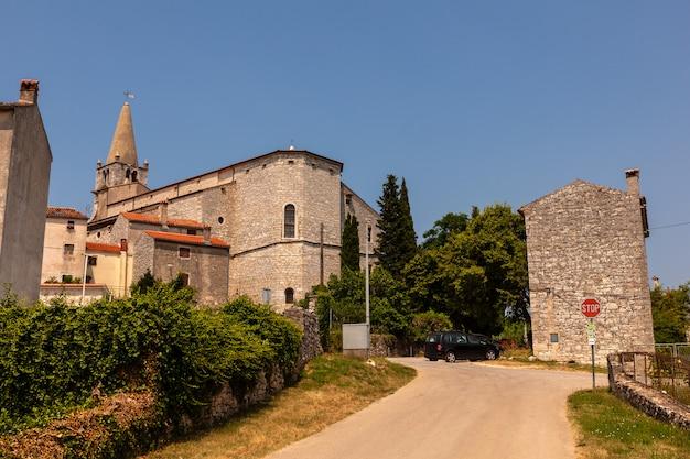 Kirche der heimsuchung der jungfrau maria in st. elizabeth, bale, villa