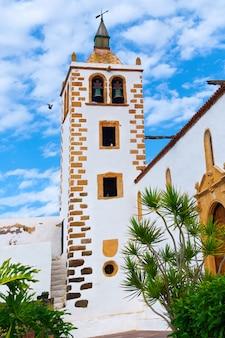 Kirche in betancuria, einer alten hauptstadt von fuerteventura, kanarische inseln