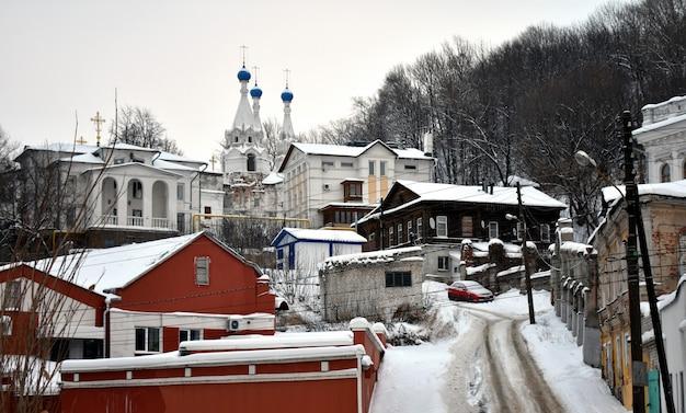 Kirche in der altstadt im winter