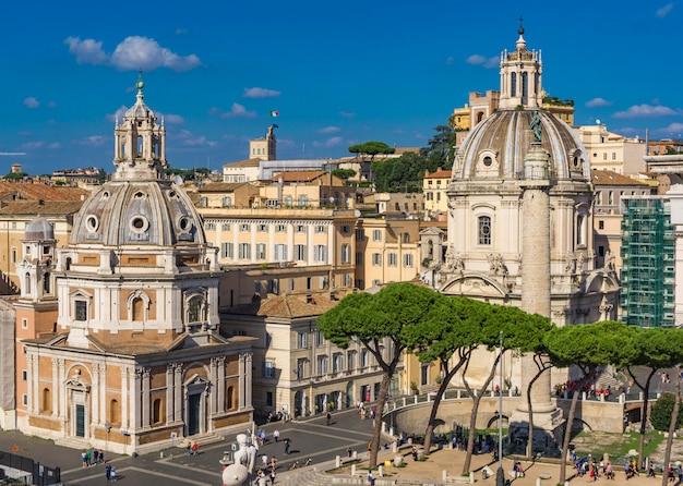 Kirche santissimo nome di maria al foro traiano und kirche santa maria di loreto in rom