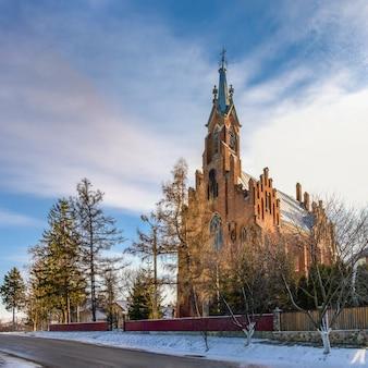 Kirche st. anne im dorf ozeryany