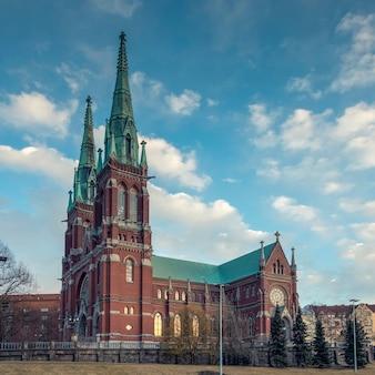 Kirche st. john lutheran tempel im neugotischen stil in der finnischen hauptstadt helsinki