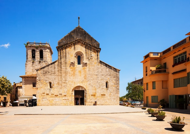 Kirche von sant pere. besalu katalonien