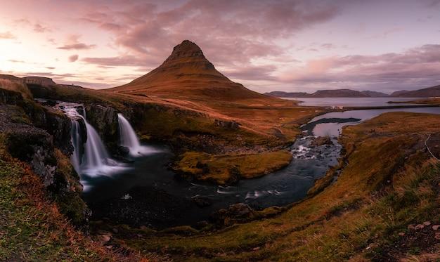 Kirkjufell-berg nahe bei grundarfjörður bei westisland.