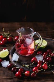 Kirsch-limetten-limonade