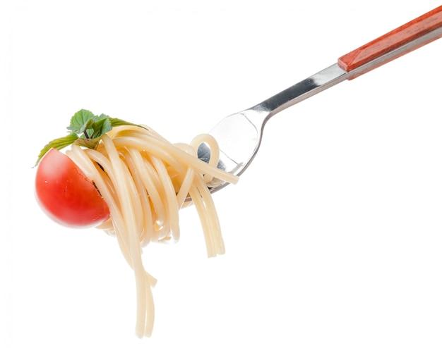 Kirschtomaten und pasta. isoliert