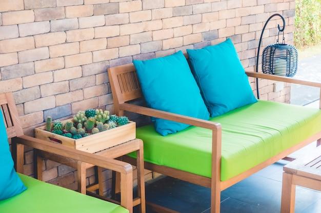 Kissen grün weißen couch lampe