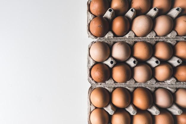 Kiste mit eiern