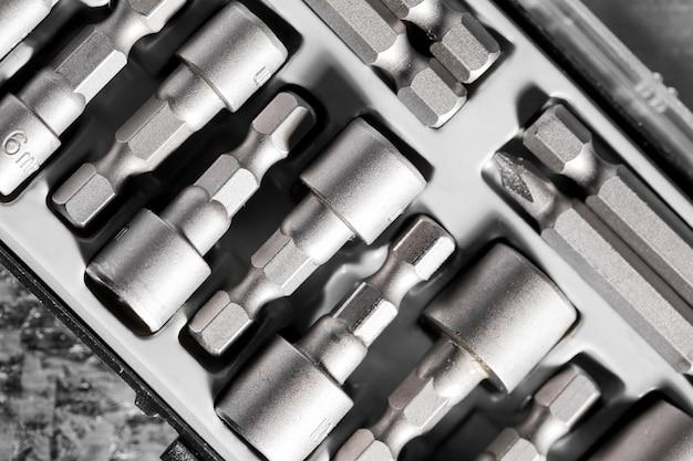 Kit für mechanische schrauben