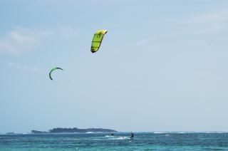 Kite-boarding, extreme