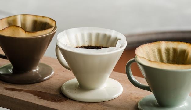 Kits zur herstellung von frischem kaffee im vintage-ton