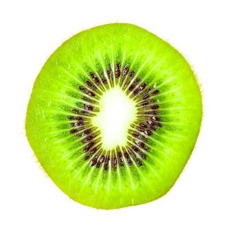 Kiwi-fruchtscheibe auf weiß