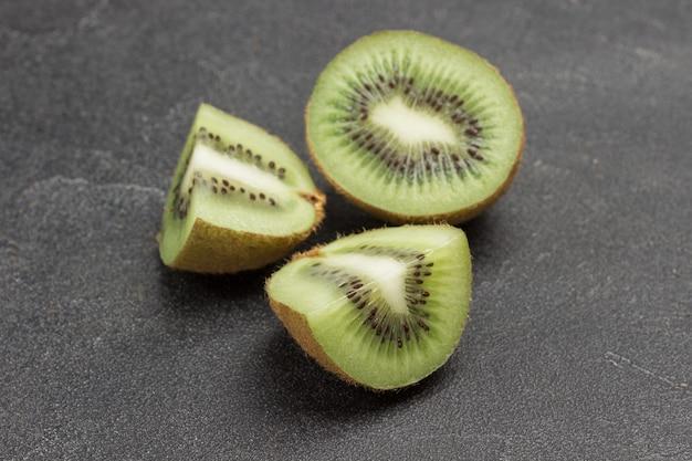 Kiwi halbiert. draufsicht
