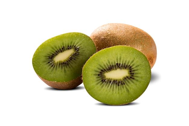 Kiwi isoliert auf weißer oberfläche, makro
