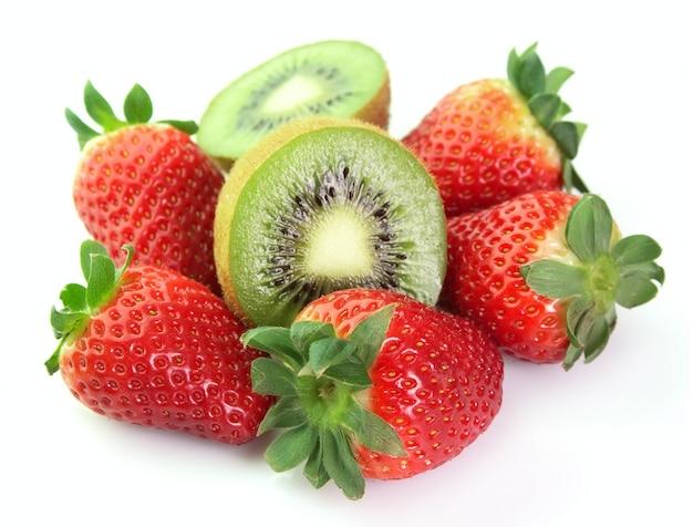 Kiwi und erdbeere nahaufnahme