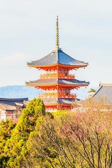 Kiyomizu dera tempel in kyoto in japan