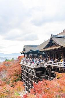Kiyomizu- oder kiyomizu-deratempel in der herbstsaison in kyoto.