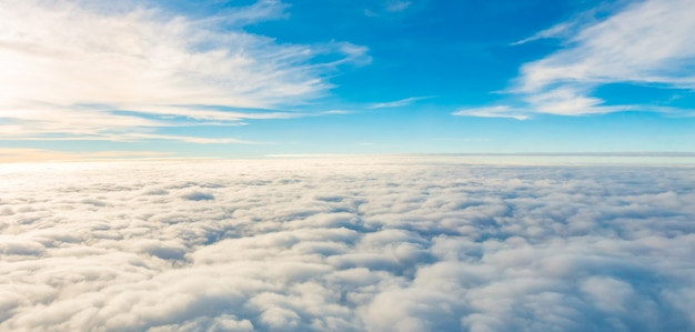 Klare luft fliegen fantastische reise