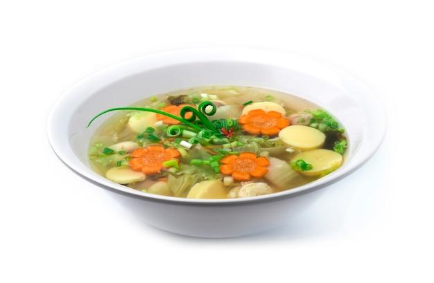 Klare suppe mit tofu, eiersauce, gehackter schweinefleischbällchen
