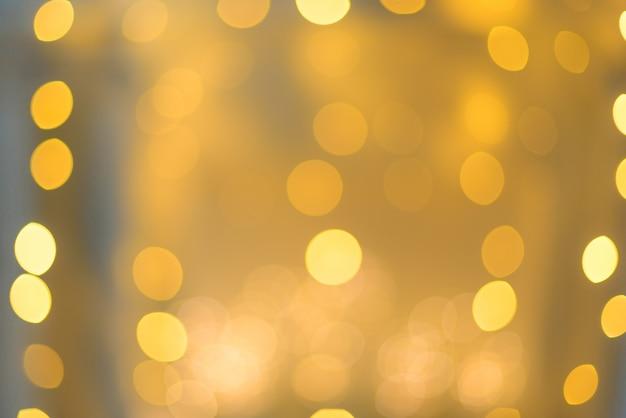 Klares bokeh in der weichen farbart für hintergrund des weihnachtslichtes