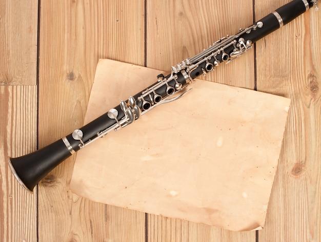 Klarinette und blankopapier