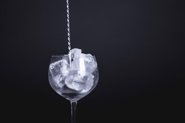 Klassische gin tonika