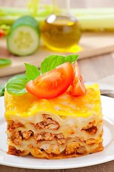 Klassische lasagne mit sauce bolognese