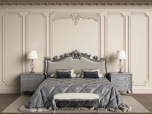 Klassische schlafzimmermöbel im klassischen innenraum. wände mit formteilen, verziertes gesims