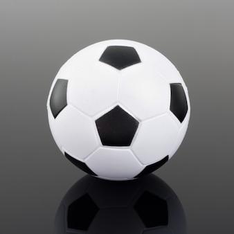 Klassischer fußball mit reflexion