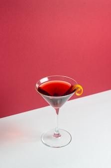 Klassischer manhattan-cocktail. alkoholische getränke. bar. restaurant.