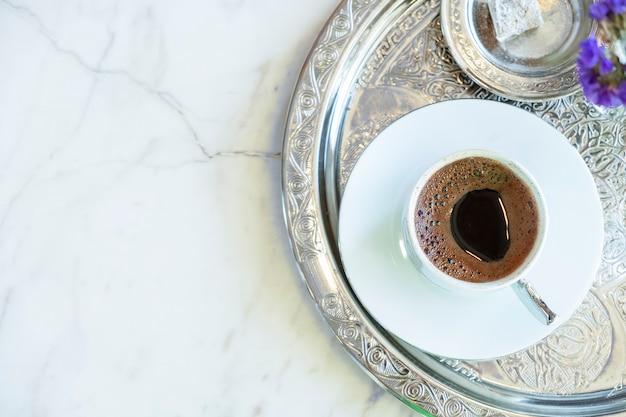 Klassischer türkischer kaffee