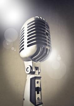 Klassisches glänzendes mikrofon