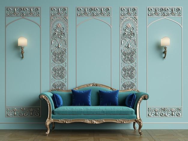 Klassisches sofa im klassischen interieur mit platz zum kopieren