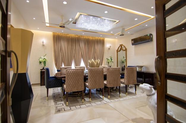 Klassisches und königliches wohnzimmer