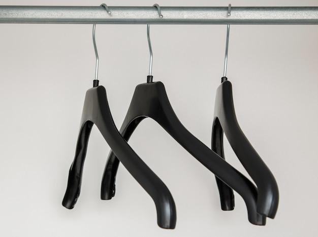 Kleiderbügel im schrank