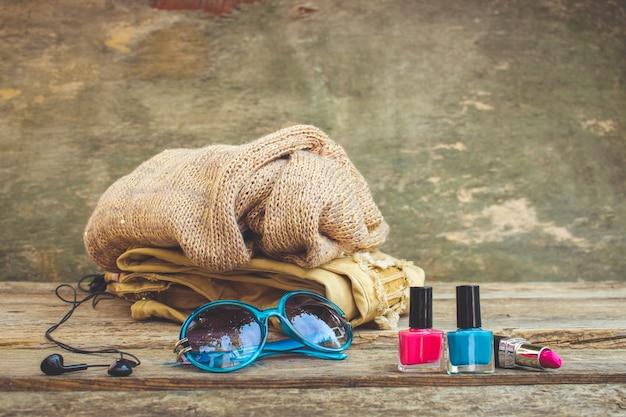 Kleidung, damenaccessoires und kosmetik