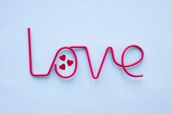 Kleine Herzen im Liebesschreiben