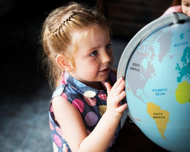 Kleine kinder lernen nachhaltige lifestyle science class