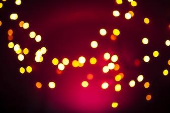 Kleine Lichter und rote Gaze