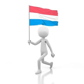 Kleine person, die mit luxemburg-flagge in einer hand geht. 3d-rendering-bild