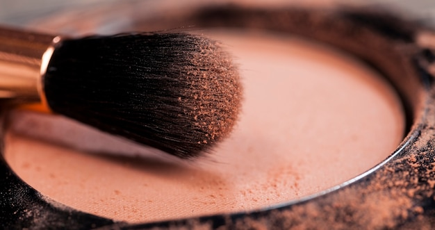 Kleine pinsel für make-up-arbeiten