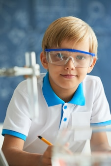 Kleiner wissenschaftler