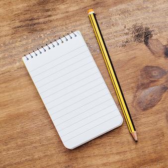 Kleines notizbuch mit kopienraum