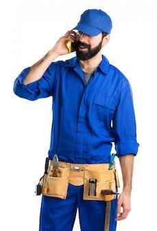 Klempner sprechen mit mobilen