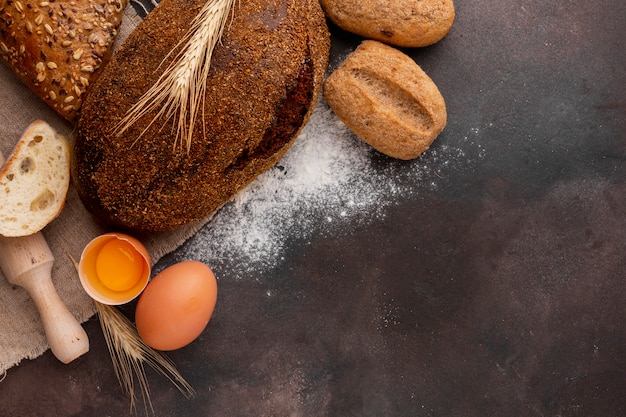 Knuspriges brot mit ei und mehl